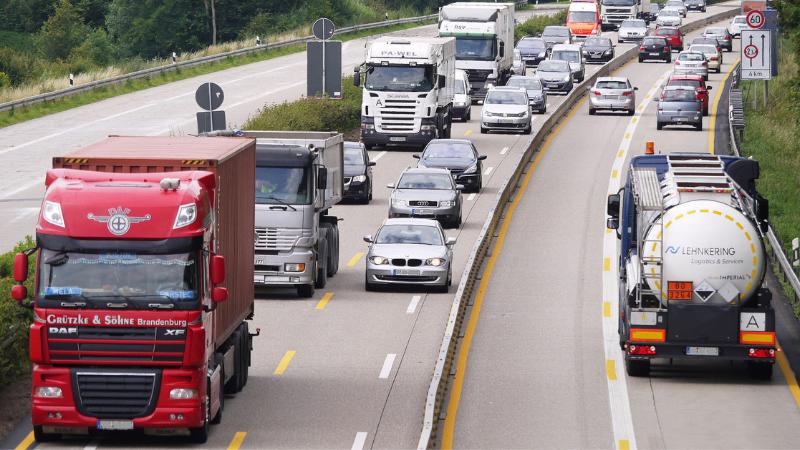 TOP-5-awarii-czyli-co-się-psuje-w-ciężarówce-usterki-silnika-awaria-elaktryki-tir-uklad-kierowniczy
